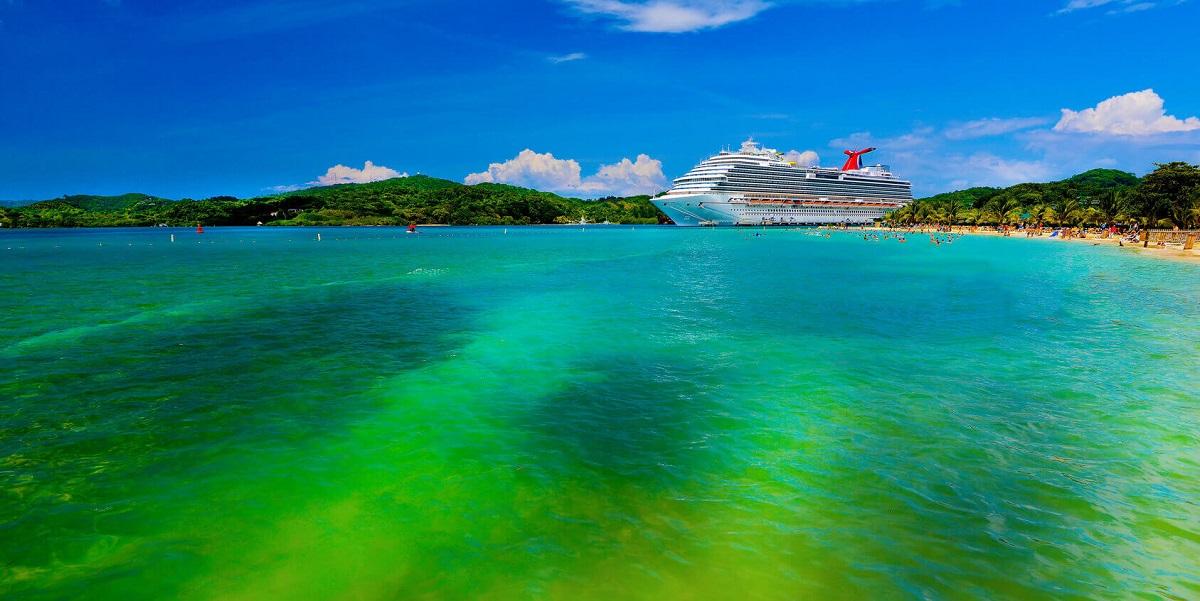 COVID-19: cruise ship travel